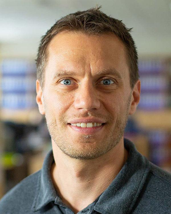 Bild von Christoph Leibing, der das Projekt zu den Kurz-Umtriebs-Plantagen leitet